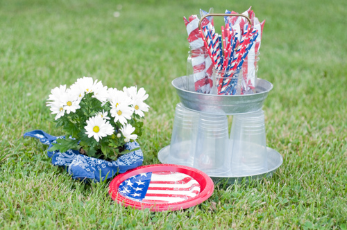 Memorial Day Get Together With Friends full menu, grilled hamburgers and pork burgers, potato salad, fruit, finger jello, brownies #recipe #menuplan #memorialday