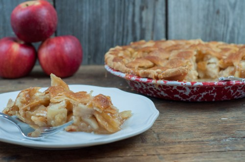Pour Over Apple Pie is a super easy to make pie that has a sweet caramel sauce poured over the entire pie and then baked from Farmwife Feeds #apple #applepie #recipe #pie #homemade