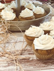 Easiest Pumpkin Spice Cupcakes from Farmwife Feeds are a Gooseberry Patch popular recipe that is an easy pumpkin treat for everyone. #pumpkin #recipe #cupcake #boxmix