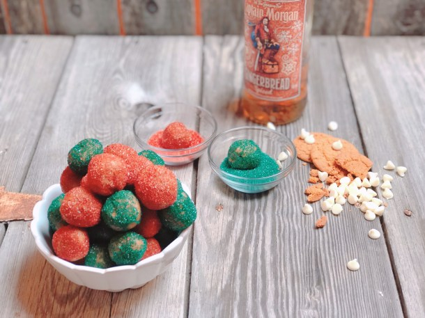 White Chocolate Gingerbread Rum Balls from Farmwife Feeds are a delicious super festive adult snack everyone will love. #rum #gingerbread #rumballs