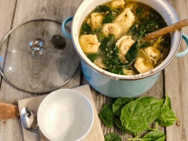 Sausage Tortellini Spinach Soup from Farmwife Feeds is a full of flavor easy meal in under 30 minutes. #sausage #soup #Italian #easymeal