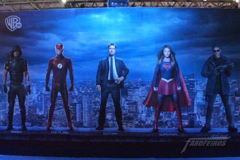 Farofeiros na CCXP 2015 - Os heróis da WB Tv