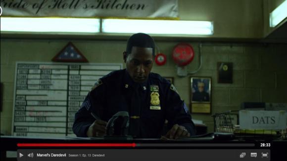 Demolidor do Netflix - Stan Lee na parede