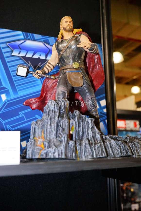 Toy Fair 2018 - Diamond Select - Thor Ragnarok