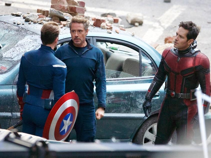 Fotos do set de filmagem de Vingadores 4 - Capitão América, Homem Formiga e Tony Stark