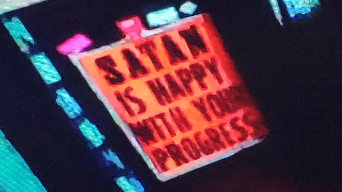 Satã feliz - Memes diferentes para usar durante a pandemia - Blog Farofeiros