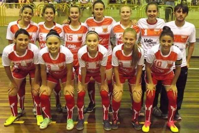 Nova Geração Futsal durante a estréia no 29º Torneio de Verão de Indaial (Divulgação)