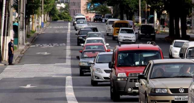 Cidade amanheceu sem ônibus (Marcelo Martins)