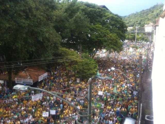 Protesto de 15 de março reuniu pelo menos 40 mil pessoas (Internet)