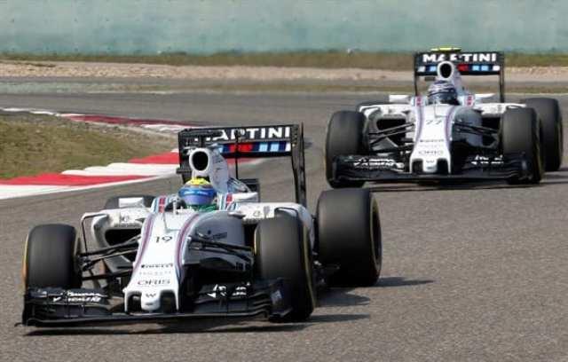 Massa e Bottas e novos problemas. A Williams ainda procura o equilíbrio para alcançar a Ferrari em 2015 (AP)