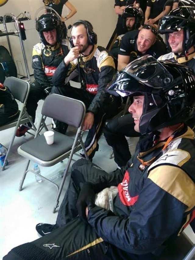 """Mecânico da Lotus se recupera do """"golpe certeiro"""" de Grosjean com gelo nas """"partes baixas"""" (Lotus)"""