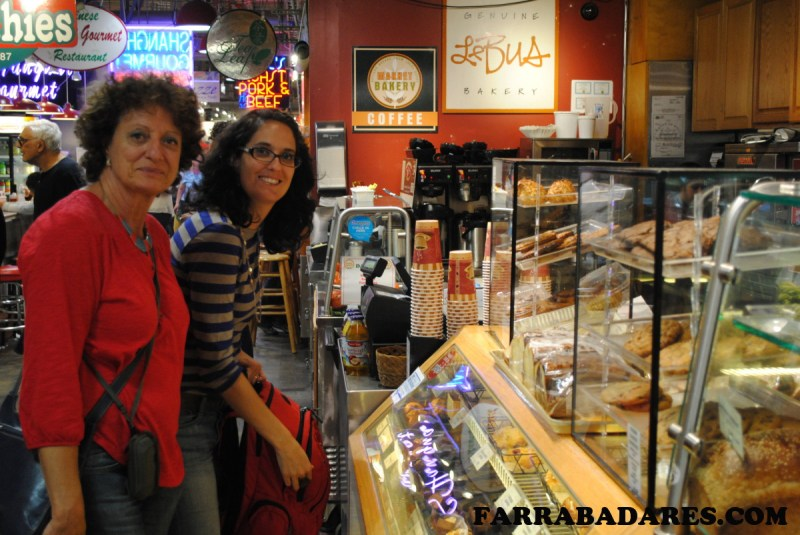 Le Bus - Reading Terminal Market Philadelphia - eu e minha mãe
