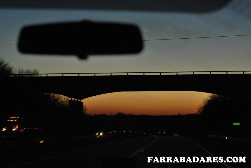 Pôr do sol na estrada I-70