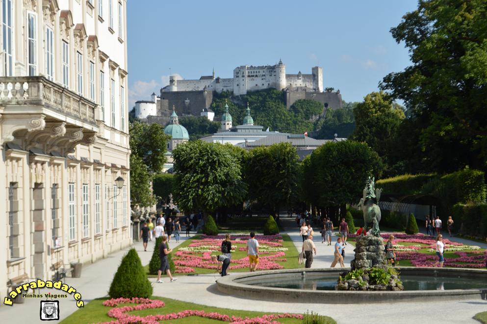 Salzburgo - Vista do castelo de a partir do Jardim Mirabell