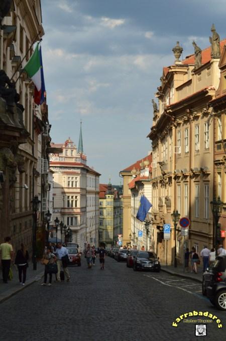 Ladeira Nerudova em Praga - essa rua leva até o Castelo de Praga