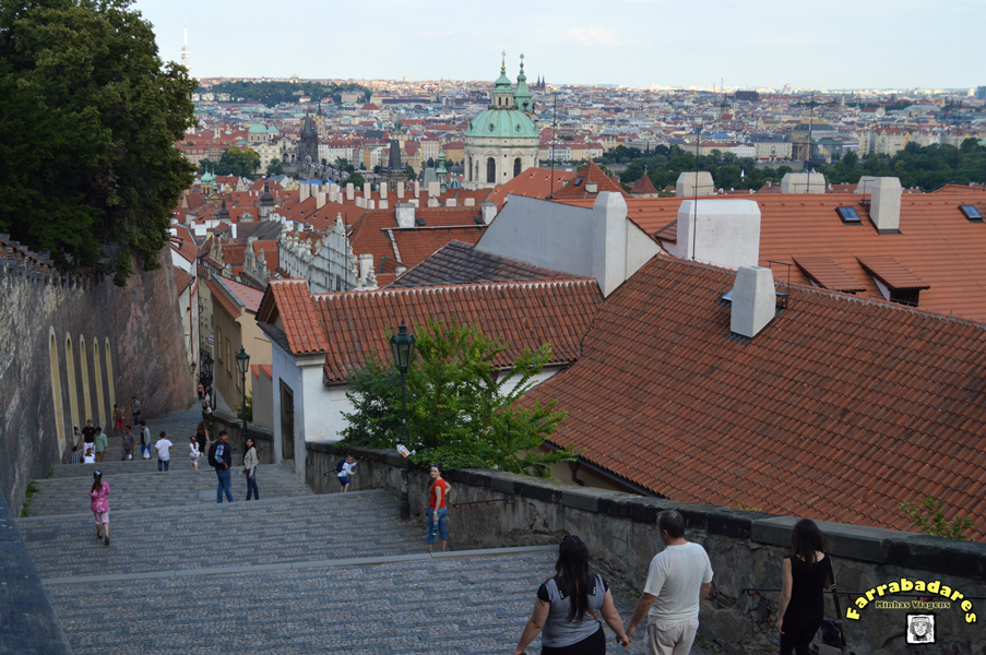 Escadaria paralela a ladeira Nerudova - linda vista!