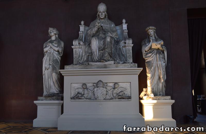 Museus em Copenhague: Thorvaldsen - escultura do Papa Pio VII