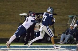 Jacob Warren catches a TD pass against South Doyle on 11/25. PHOTO CREDIT: Carlos Reveiz/Ashley Wathen, CRFOTO.com
