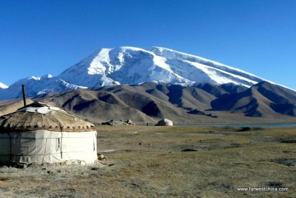Muztag Ata in Xinjiang, China