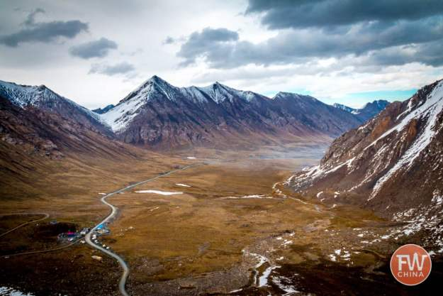 View of Highway 216 and the Xinjiang Tianshan