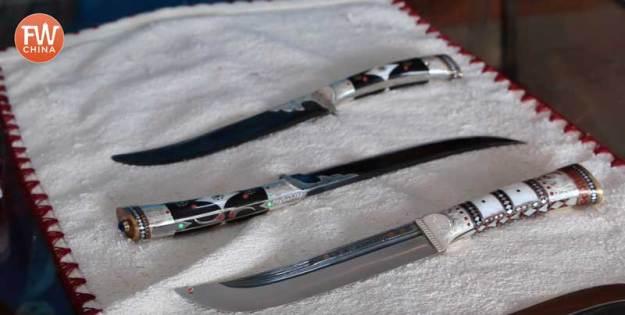 Mehmet's hand-made Yengisar Knives in Xinjiang
