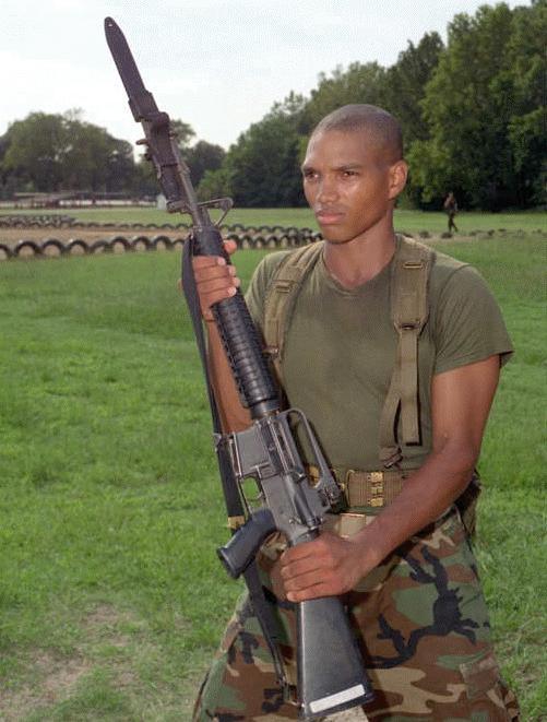 m 16 dvic535 M16 Piyade Tüfeği