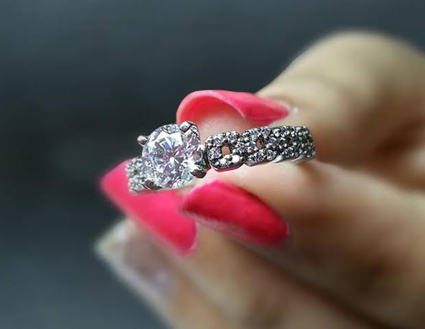 Know How Your 1 Carat Diamond Ring Looks Like In Real