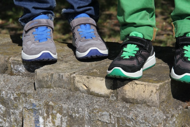 Kinderschuhe_test_superfit_jungen_sneaker_sommer_outfit_inspiration_5