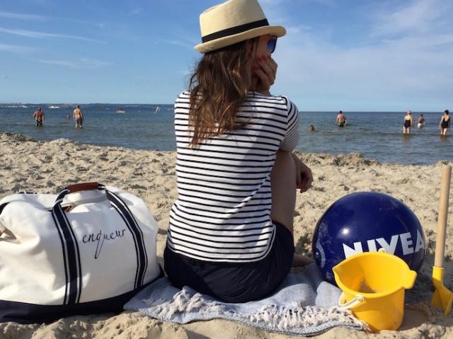 Strand_Beachbag_Strandtasche_Ostsee_Weekender_Inspiration_enquer_maritim_Outfit_Shorts_blau_07