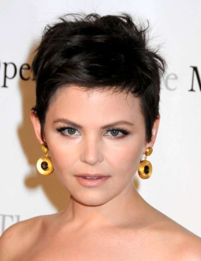 Short Hairstyles For Round Faces - 5