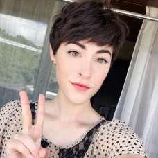 Savoir Faere Short Hairstyles - 9