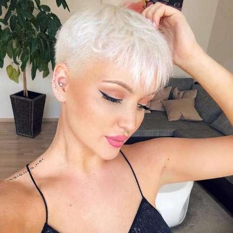 Lara Honeey Short Hairstyles - 1