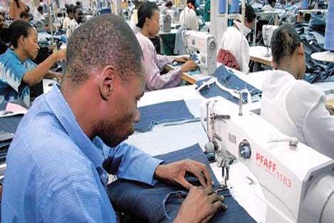 https://i2.wp.com/www.fashionatingworld.com/images/Textile-industry-Africa.jpg
