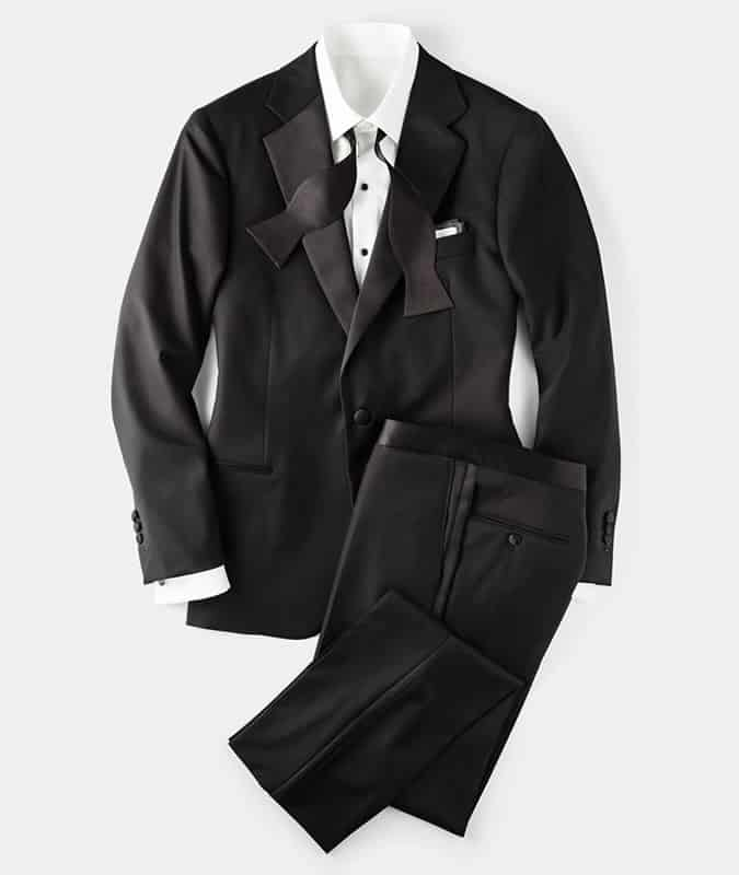 A perfect black tie outfit for men
