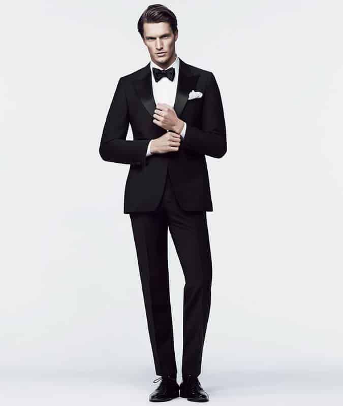 How to dress for a black tie dress event