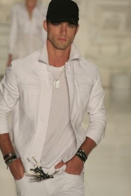 colcci-inv-2009-sp-fashion-week