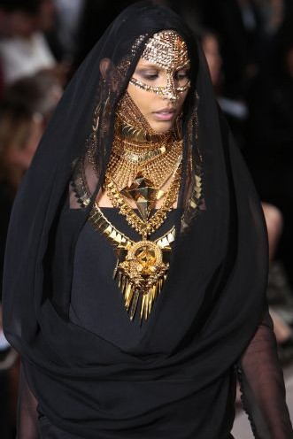 Givenchy Haute Couture fall winter 2009 2010 por uol