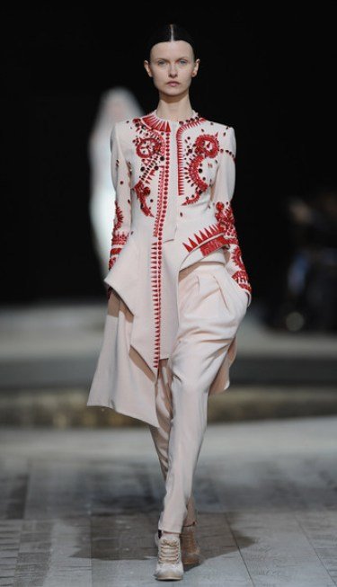 Givenchy fall haute couture 2010 10 2