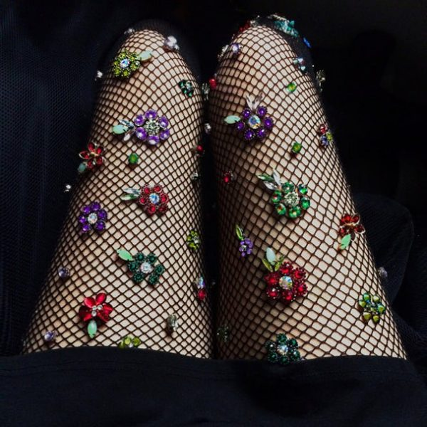 floral-fishnets looks carnaval