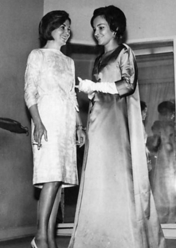 A primeira-dama Maria Thereza Goulart com a colunista Alik Kostakis, em 1963.