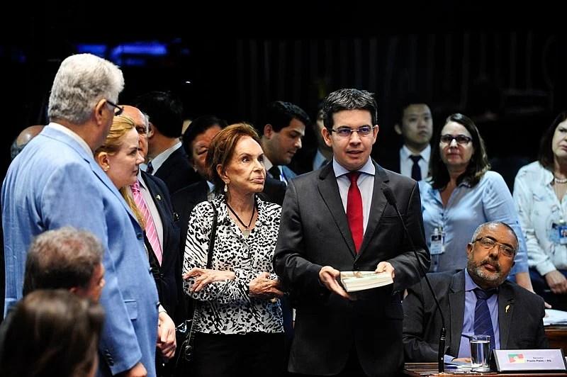 Maria Thereza Goulart em um plenário do Senado Federal durante sessão deliberativa extraordinária, 2016.