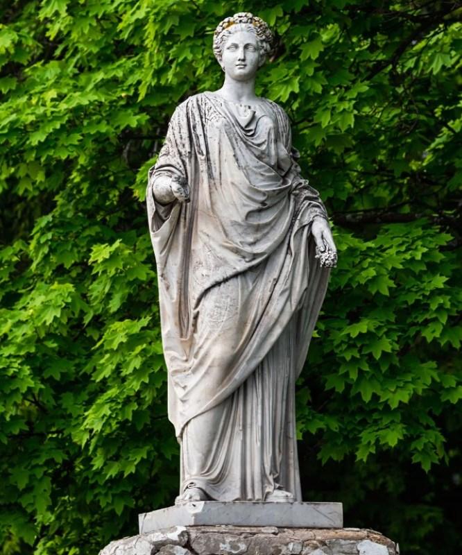 Estátua de Deméter em Londres.