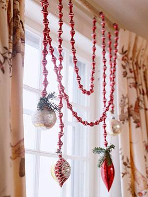 drape-garland-on-curtain
