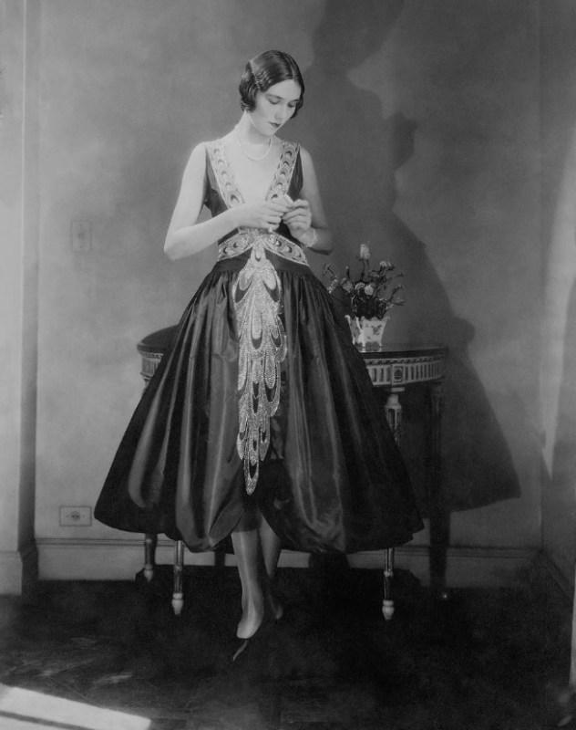 Vestido no estilo Robe de Style de Jeanne Lanvin.