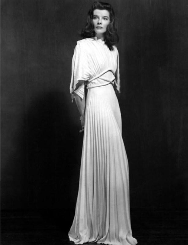 Katherine Hepburn em um vestido Vionnet.