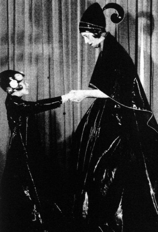 Foto de Jeanne Lanvin e sua filha que inspirou a criação do logo da marca.