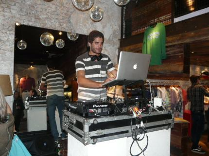 Mandi DJ