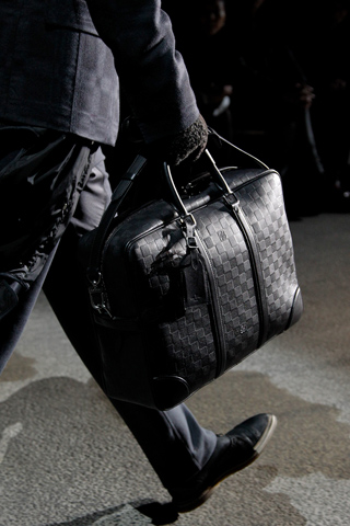 fashionb louis vuitton men bags fall 2011 (19)