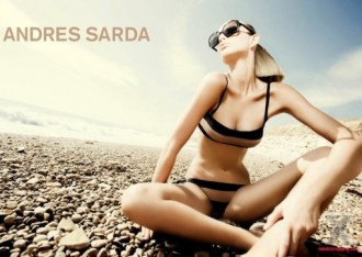 andres-sarda-beachwear-ss-2011-michaela-kocianova-by-jm-ferrater-3