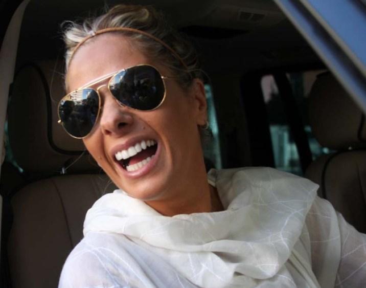 Adriane Galisteu novinha e sorrindo